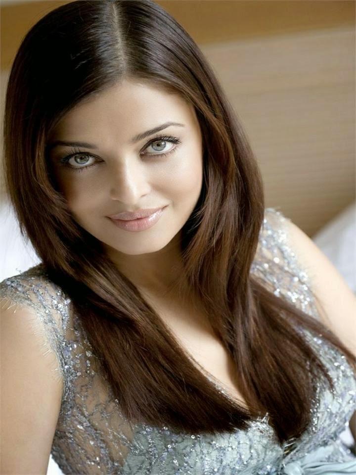 Aishwarya Rai's Biggest HD 1080p Hot sexy Bikini photos Mini Skirt Photos on internet website hot bollywood actress top 100 hot pics free hd downlaods