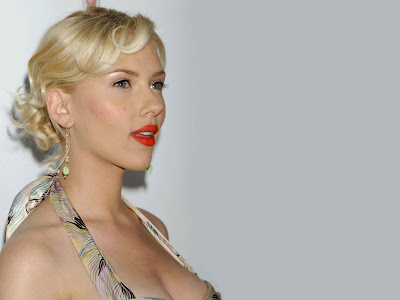 Scarlett Johansson Beautiful Wallpaper lips