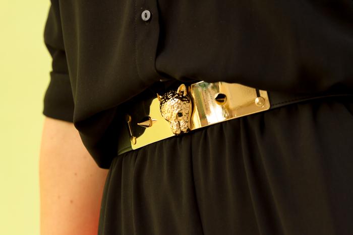 Accesorios dorados cintura ajustada leopardo oro metálico