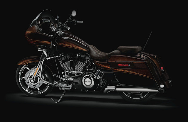 2012-Harley-Davidson-FLTRXSE-CVO_Road_Glide_Custom_Maple_Metallic