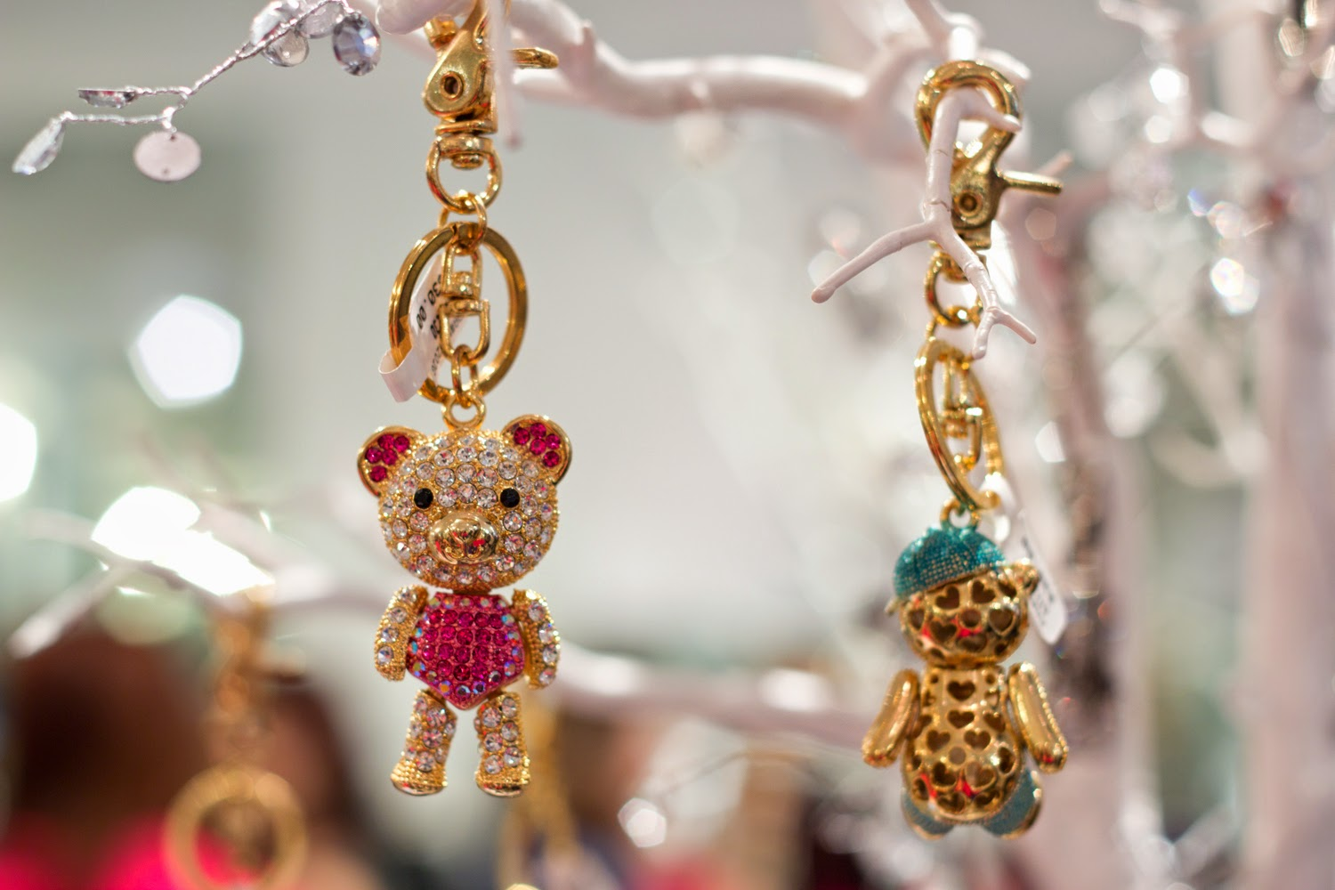 artemis-pop-up-jewellery-store-in-yorkville, cute-teddy-bear-key-chain