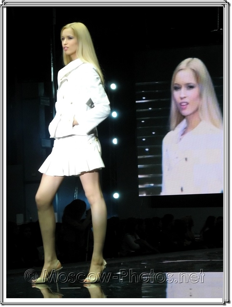 Blonde model at Moscow Fashion Expo - 2007