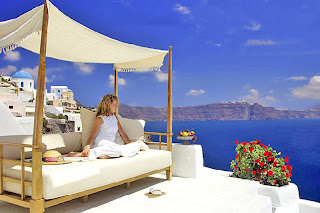 santorini luxury hotels 14