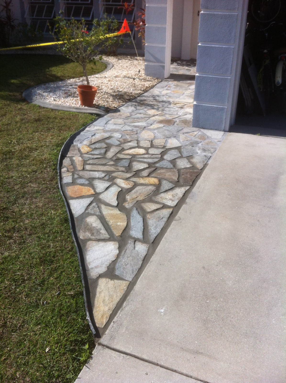 how to lay a flagstone walkway sarasota home inspections. Black Bedroom Furniture Sets. Home Design Ideas