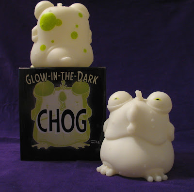 San Diego Comic-Con 2013 Exclusive Glow in the Dark Chog CHEW Vinyl Figure by Skeleton Crew Studio