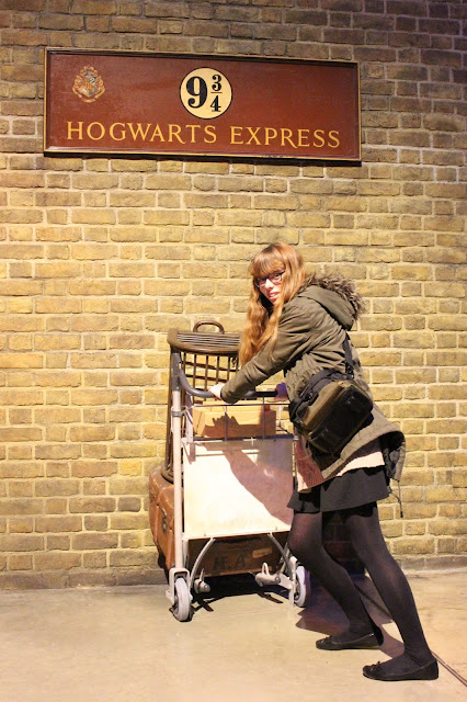 Harry potter platform 9 3/4 photo