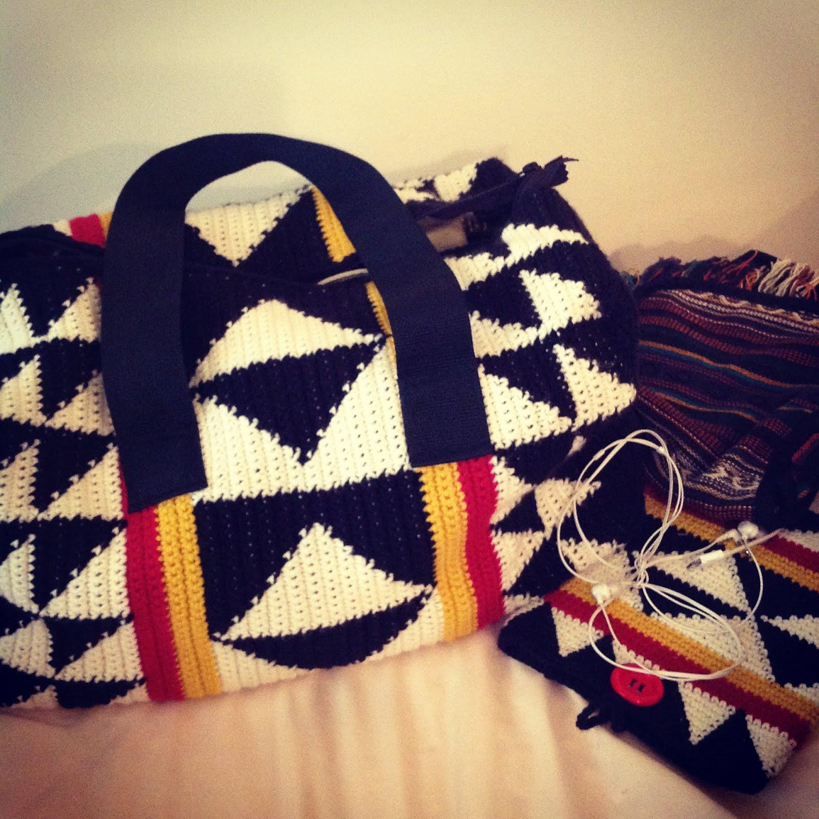 Sans Limites Crochet: The Sans Limites Duffle Bag