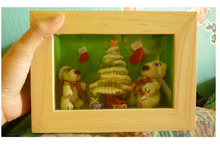 crochet cute mini christmas pattern polar bears and tree in a frame special gift