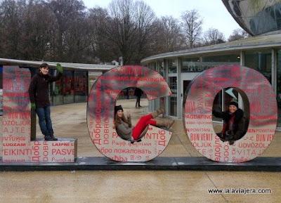 Bruselas Con Amigas Atomium