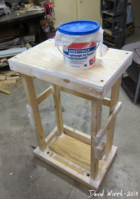 spackle sheet rock wood 2x4 stand, smooth out before painting