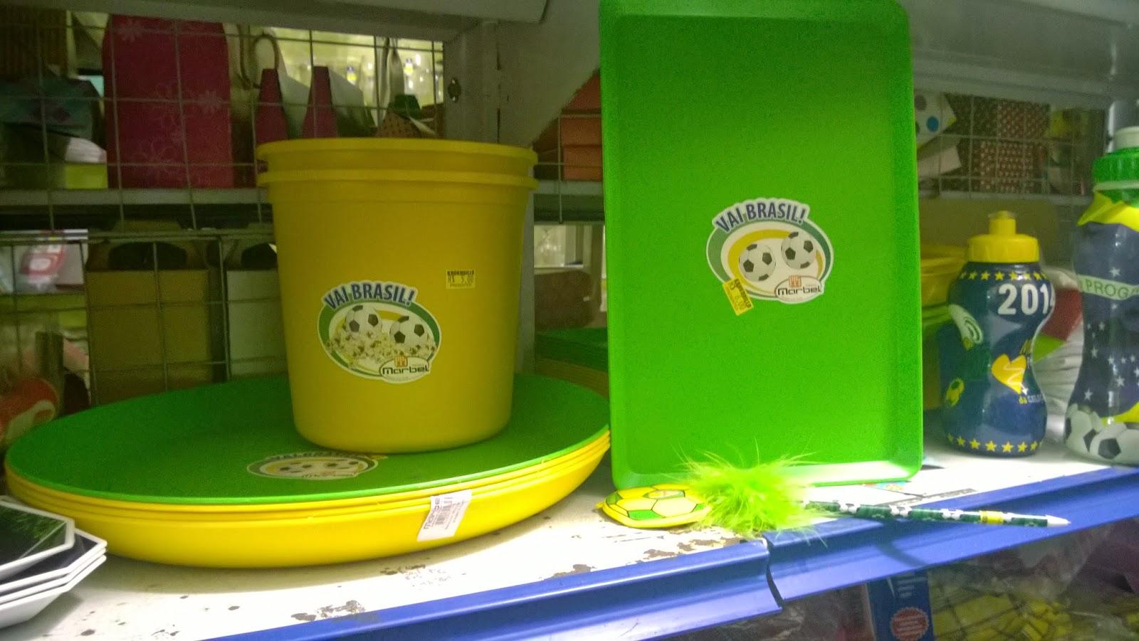 bandeja, balde de pipoca ou gela nas cores do Brasil (verde e amarelo) para Copa nas lojinhas de 1,99