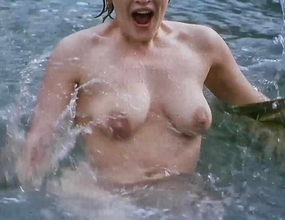 Kate Winslet Iris Nude
