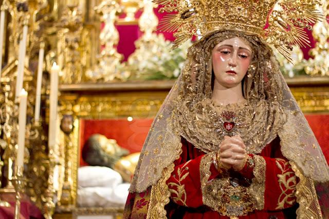 http://franciscogranadopatero35.blogspot.com/2015/10/besamanos-de-la-virgen-de-los-dolores.html