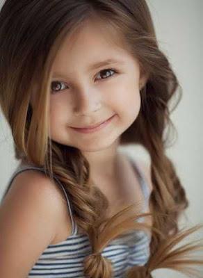 Gaya rambut panjang di kepang dua anak perempuan 20154