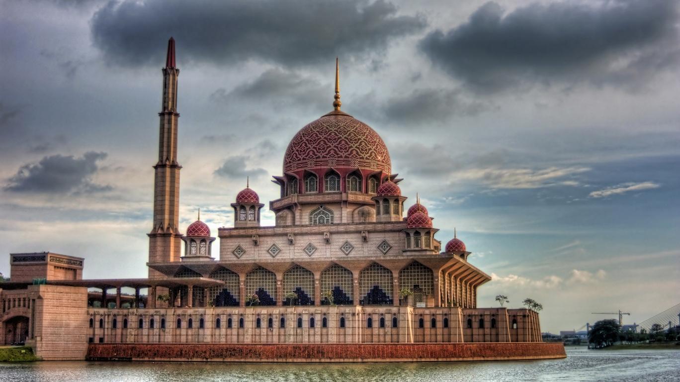 NIm 2011: World's Most Beautiful Mosque Part 4 Beautiful Masjid On Water