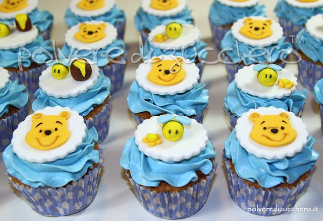 cupcakes per un battesimo con winnie the pooh e le apine