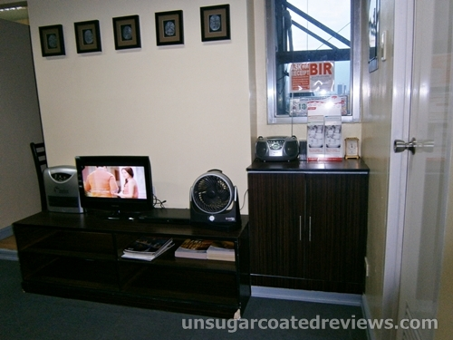 Sambitan Dental Clinic TV stand