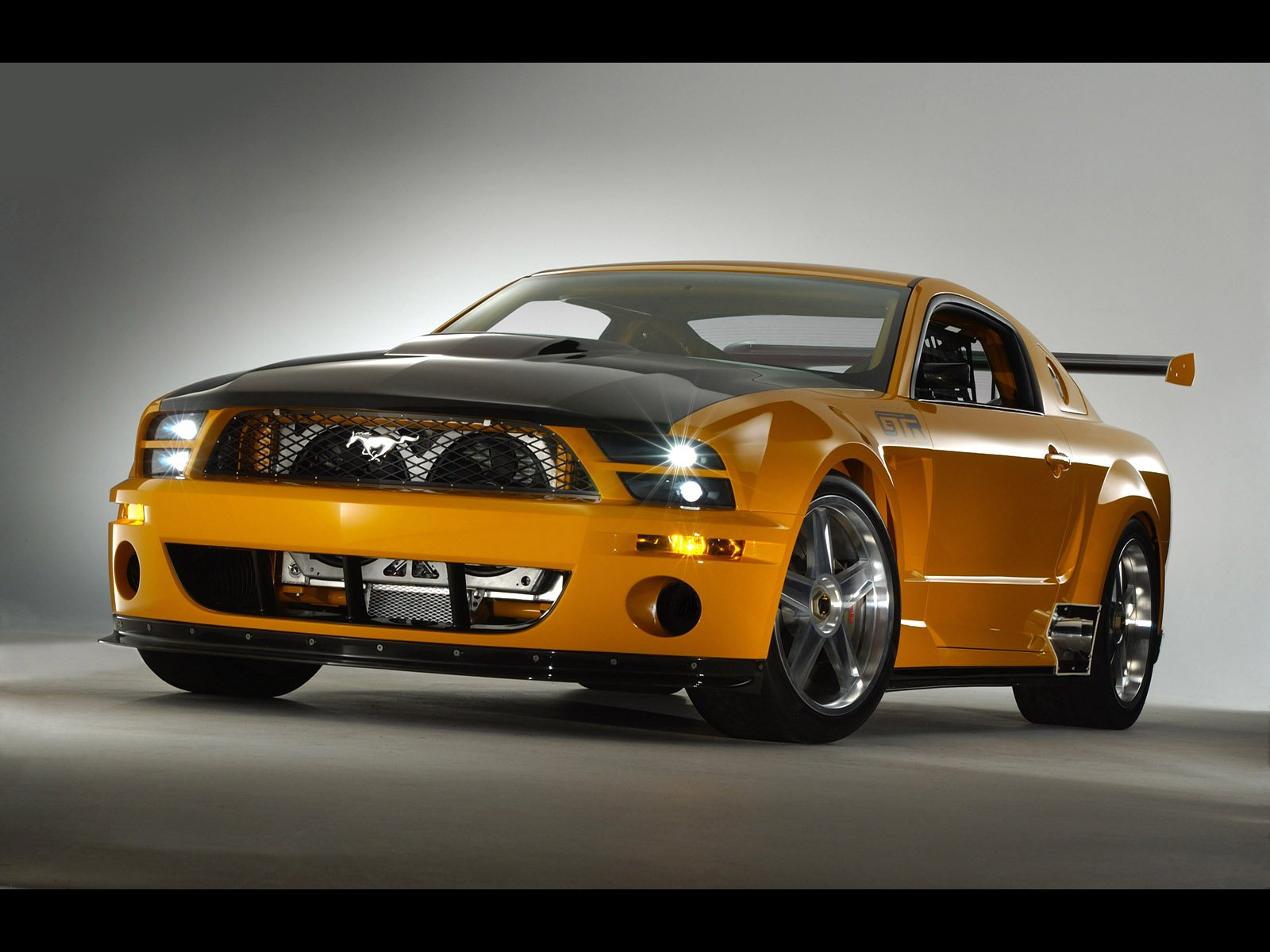 mustang gt car review. Black Bedroom Furniture Sets. Home Design Ideas