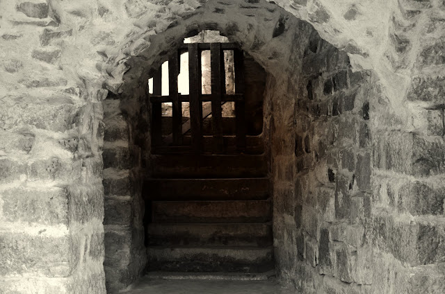 the stairs to golconda fort