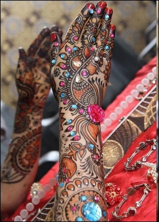 Mehndi Bridal Dance : Glitter mehandi designs images for hands and feet