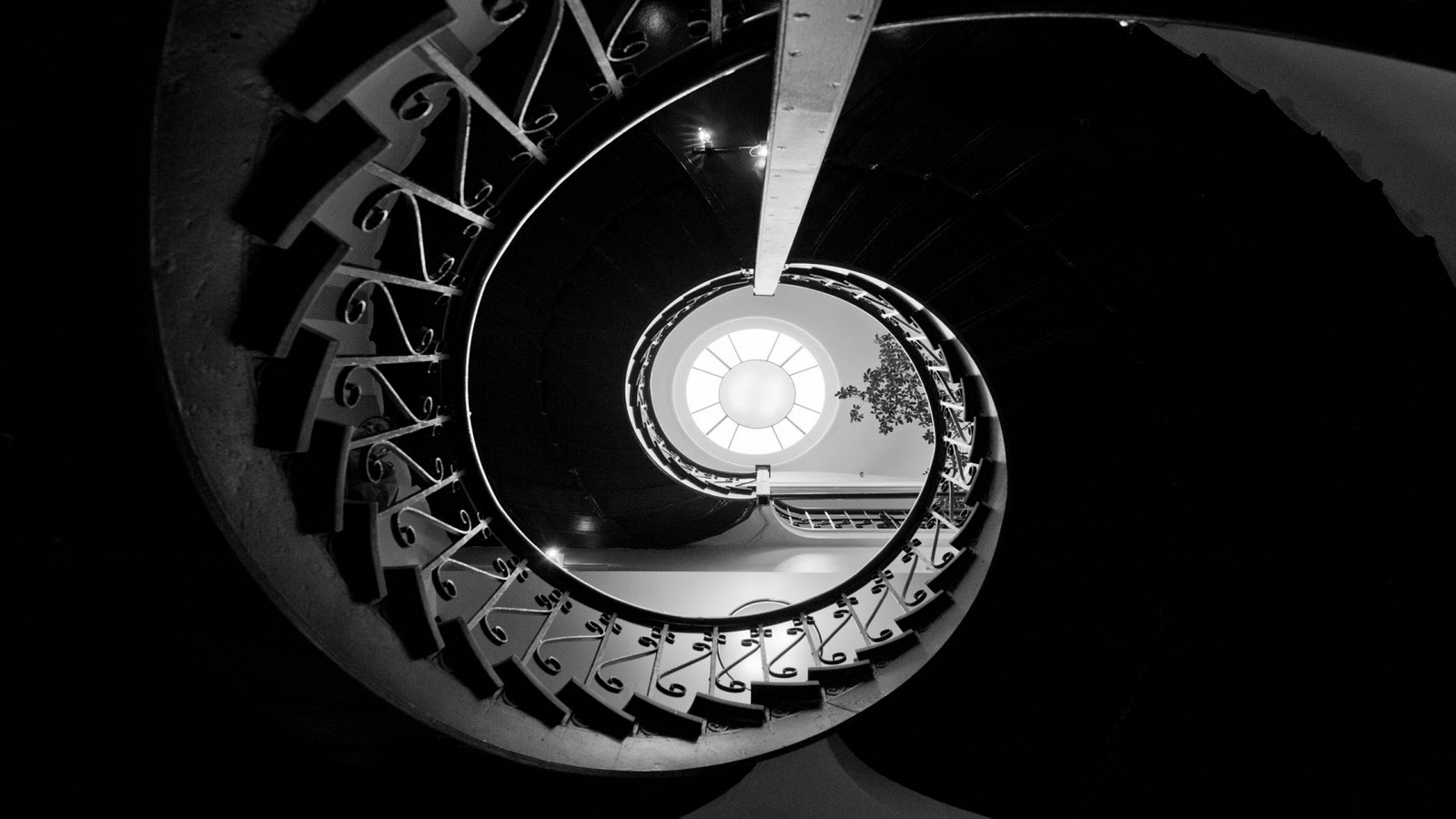 http://1.bp.blogspot.com/-SEO5fdEuSZE/TvouZbXgyHI/AAAAAAAAFhM/1-iqNyIsx7o/s1600/carnegie_staircase-1920x1080.jpg