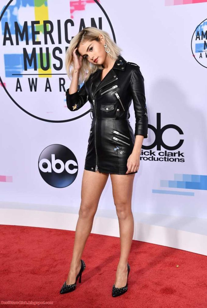 Selena Gomez Photos in Black Skirt at 2017 American Music Awards