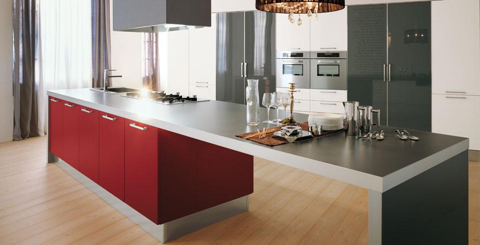 Cocinas en rojo pasi n cocinas con estilo for Cocina blanca y suelo gris