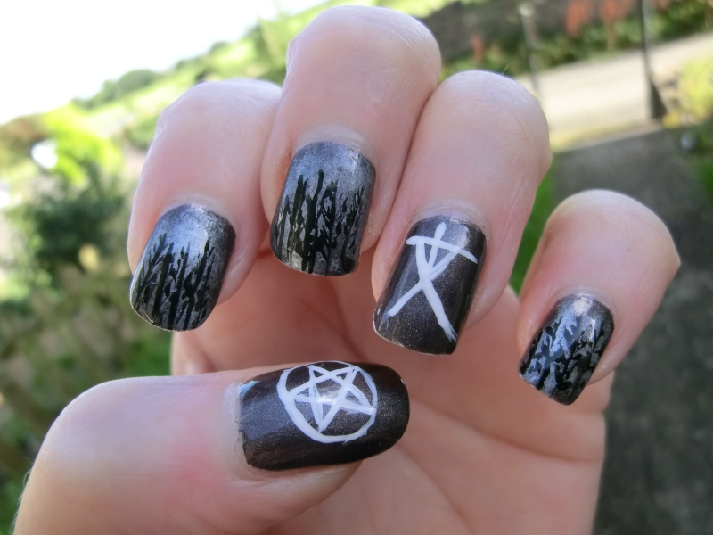 Blair Witch Nail Art - M.A.S.P.O.O.A.S.E. : Blair Witch Nailart For Halloween