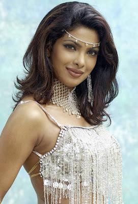 Priyanka-Chopra-sillver-color