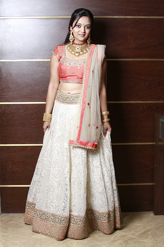 bridal gold jewelry, bridal lehenga, designer lehengas online, indian bride, anisha sheetys couture, bollywood celebrity designer, designer wear online
