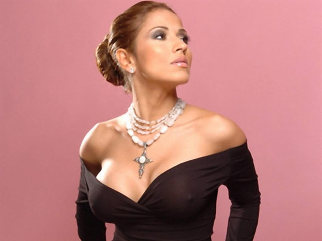 Primer Impacto Jackie Guerrido http://521entertainmentworld.blogspot.com/2012/03/latest-jackie-guerrido-hot-wallpapers.html