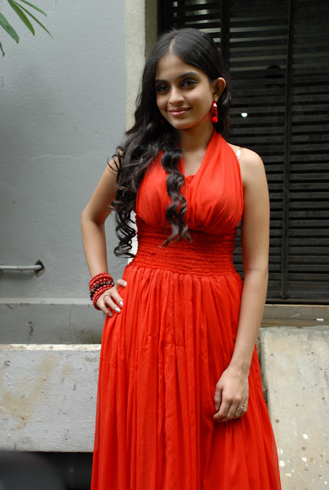 sheena shahabadi shoot red dress unseen pics