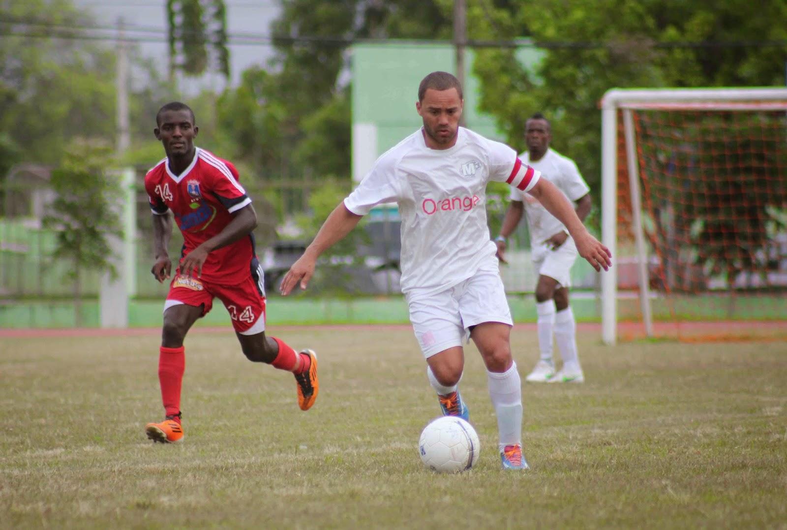 Jonathan Faña debuta en la actual Liga Mayor con Moca FC