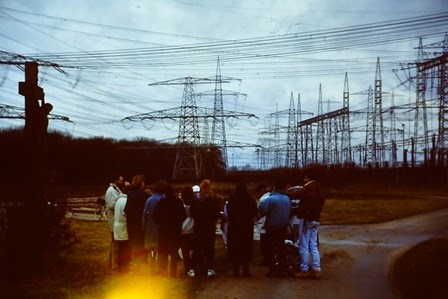 Andacht am Wegkreuz 1987 Kernkraftwerk Grafenrheinfeld, Foto Urich Wittmann