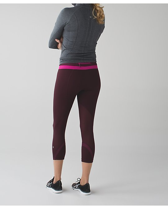lululemon bordeaux-inspire-crop