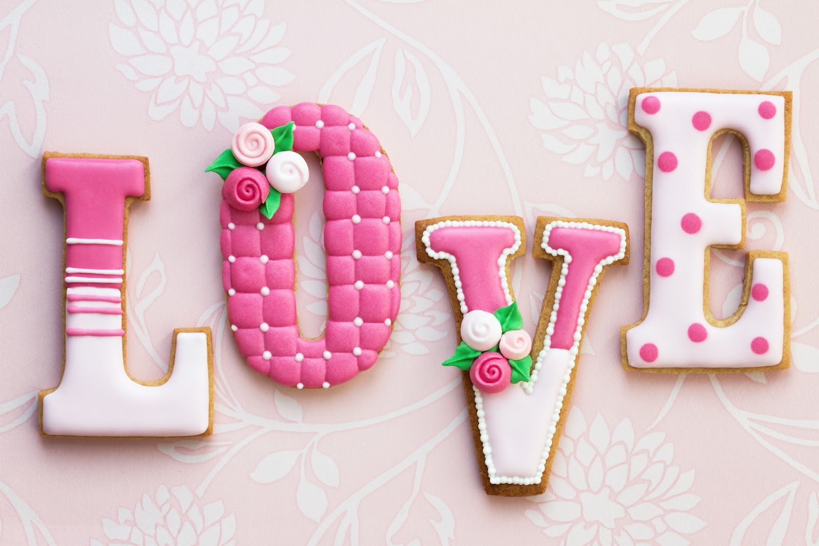 """BANCO DE IMAGENES GRATIS: Palabra """"LOVE"""" en letras de galleta con"""