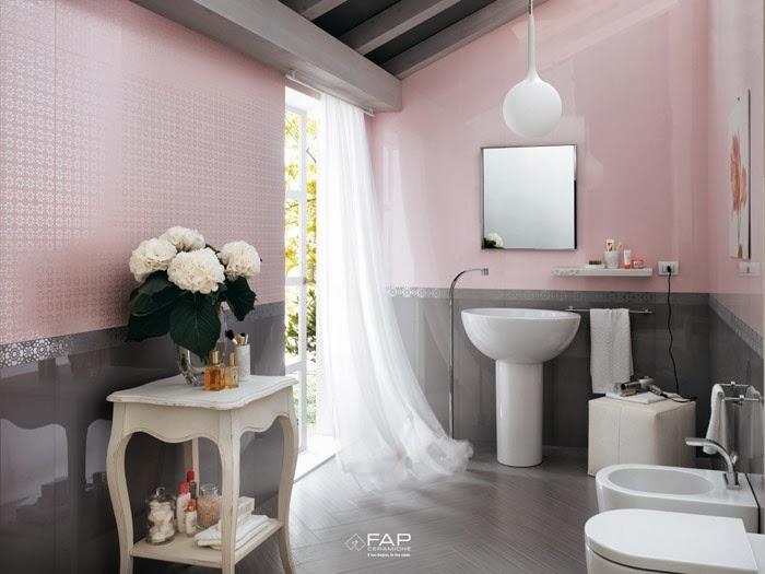 Baños Con Azulejos Rosas:Cuarto de baño con cerámica brillante a media pared en rosa y gris