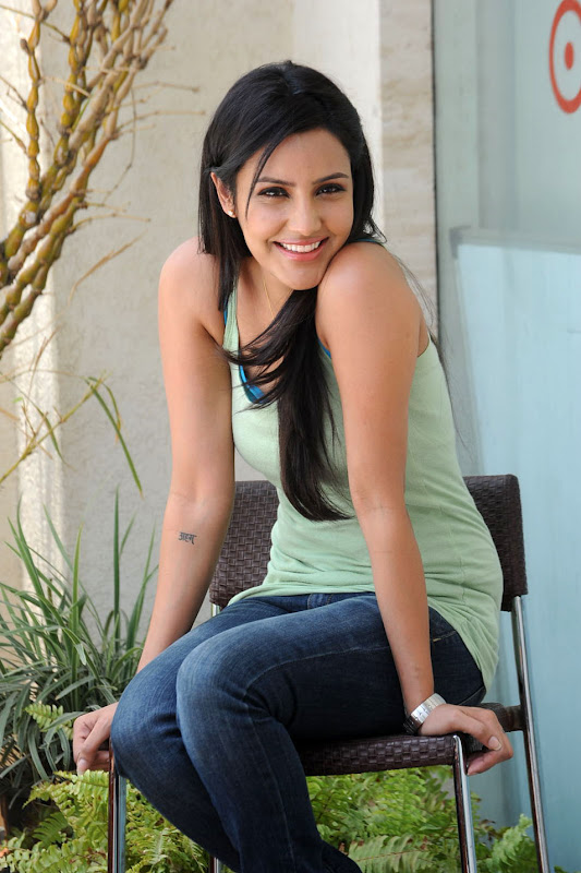 Priya Anand Cute Photo Stills Gallery unseen pics