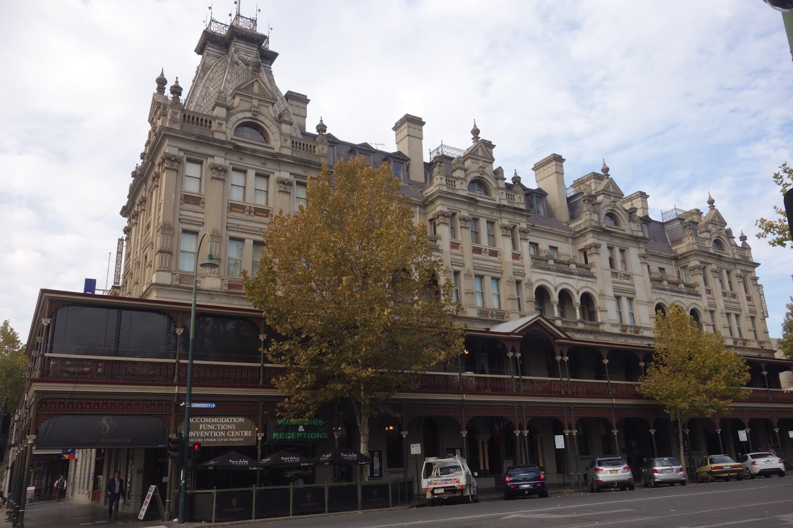 cheryl s travels exploring a new location bendigo the original town hall building was built in 1858 but then in the early 1880s one of the city s most influential architects transformed the bendigo town
