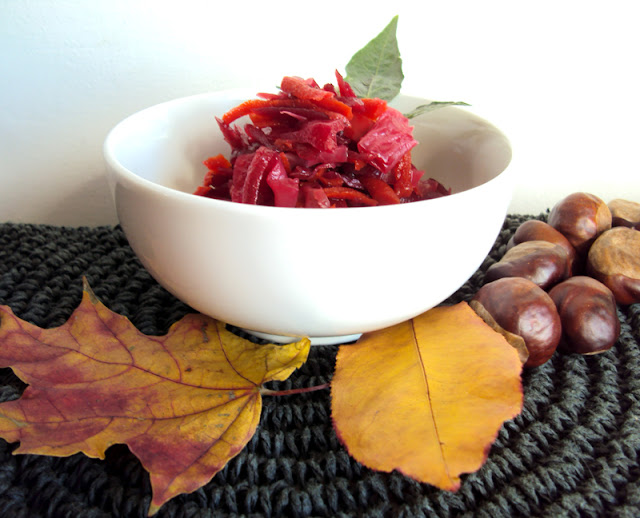 sałatka do słoików z kapusty, buraków, papryki, cebuli i marchwi