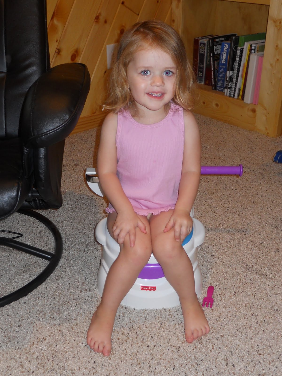 little girl nude toilet
