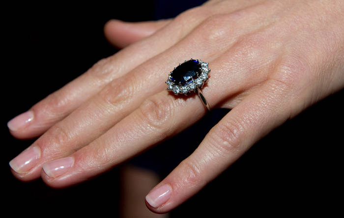 kate middleton engagement picture. Kate Middleton Engagement Ring