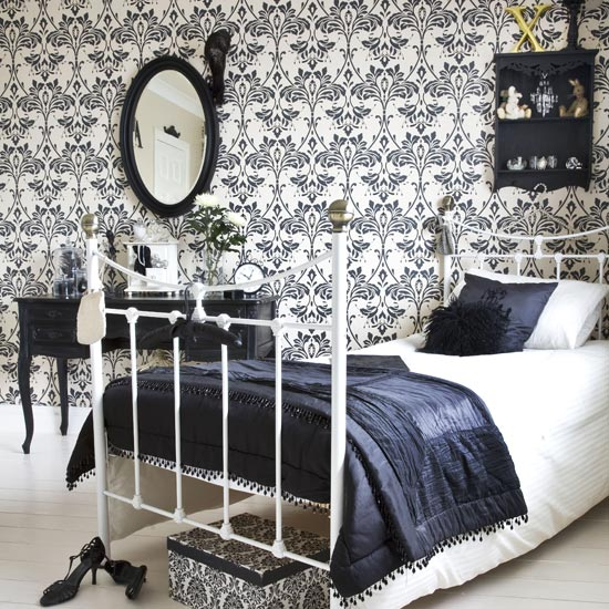 Interior bedroom decorating with damask wallpaper designs for Black bedroom wallpaper designs