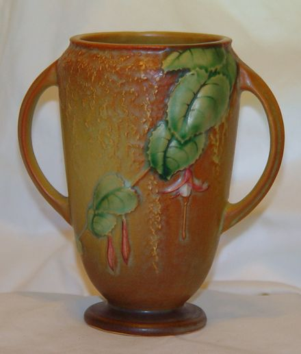 Estate Sale Tips And Hints Roseville Pottery A Few Quick