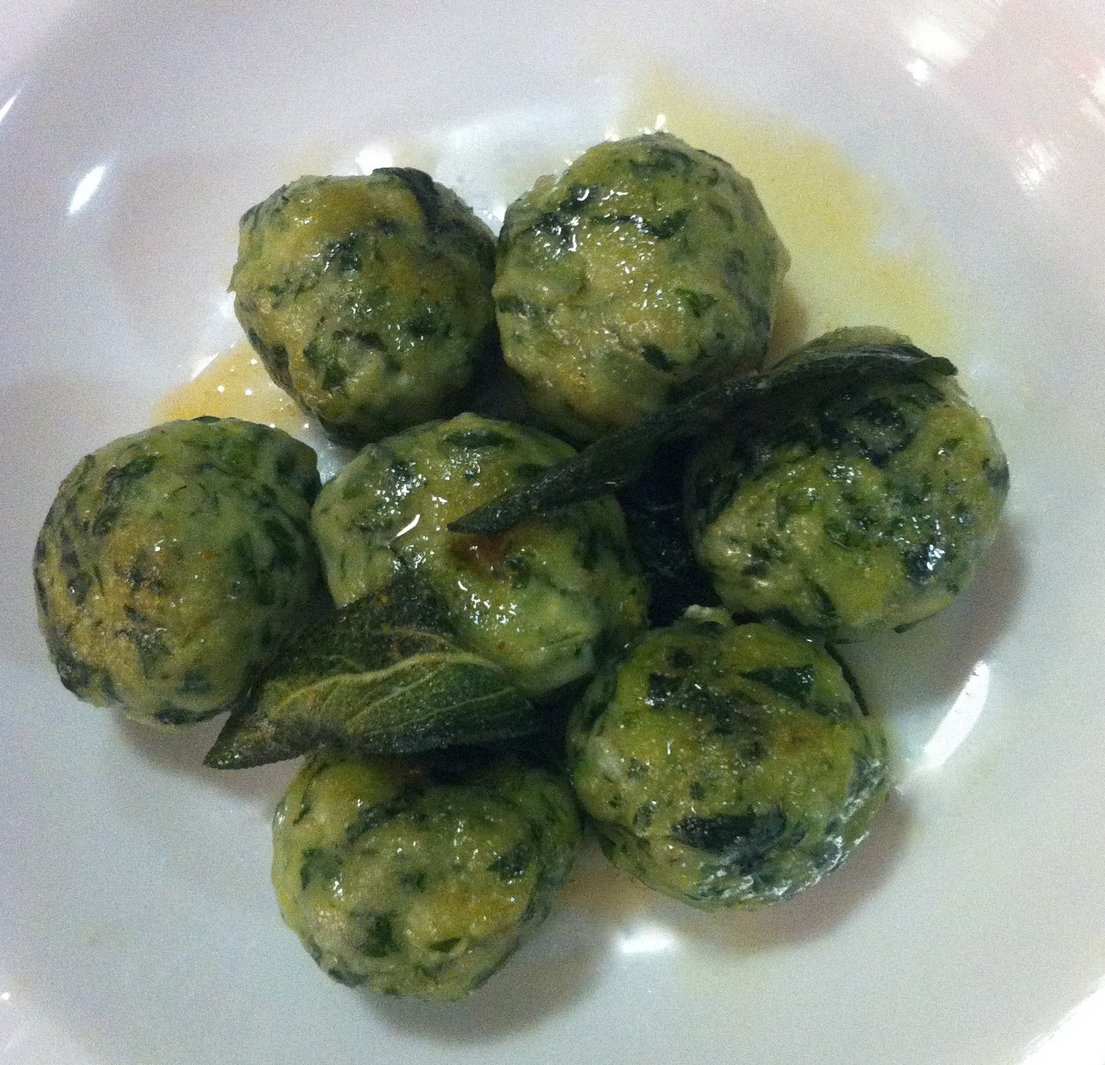 juicy JUICY green grass: Spinach and Ricotta Gnocchi