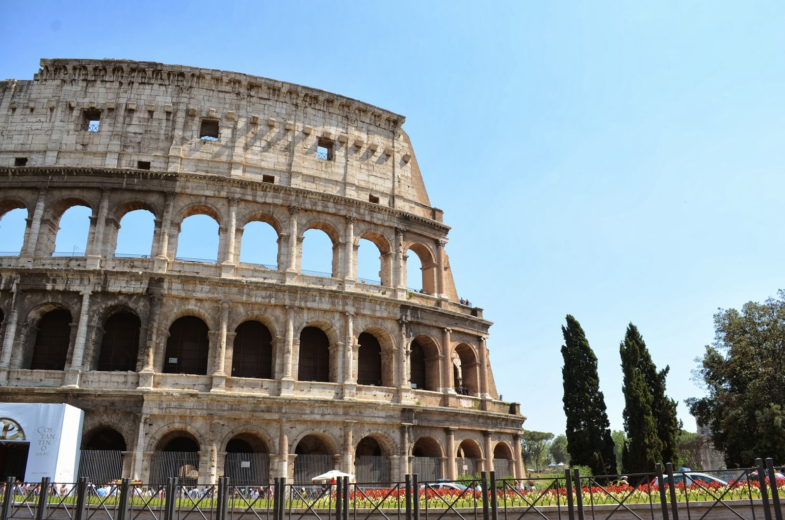 roman architecture Five centuries of roman rule left impressive traces in valle d'aosta.