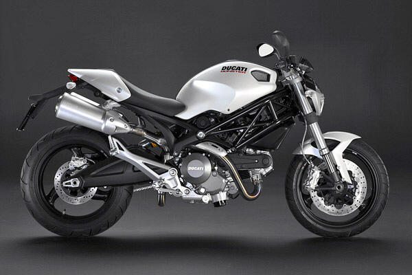 2012 Ducati Monster 696 Lady Killer Review ~ motorboxer