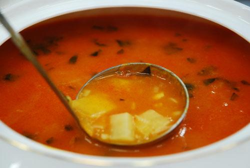 Emine Beder Bulgurlu Patates Çorbası Tarifi