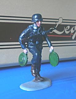 Раскрашенный солдатик - немецкий минёр
