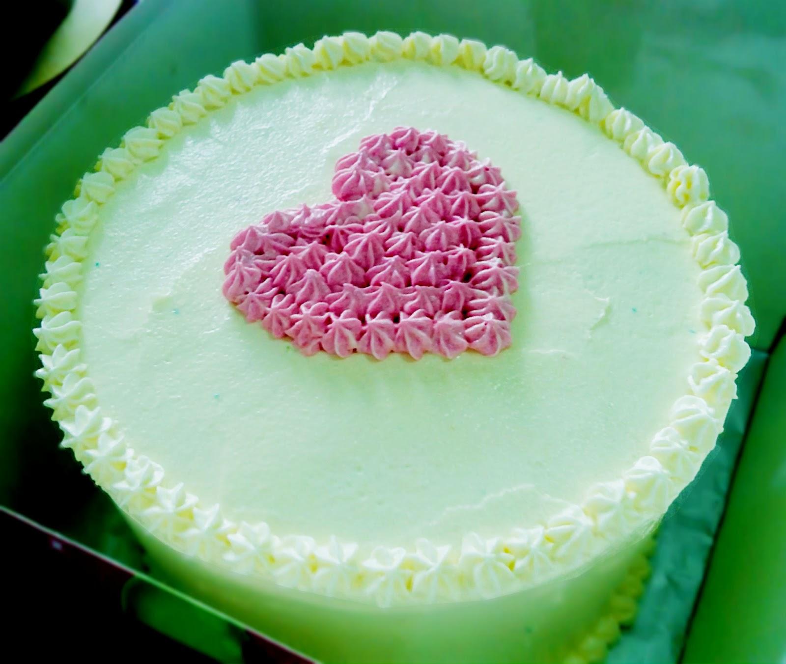 Cakes etc simple heart shape cake deco